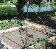 organic meditative spaces - - simple reed piramide