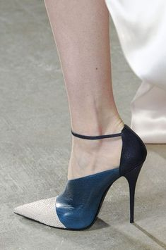 Narciso Rodriguez at New York Fashion Week Fall 2013 - Details...