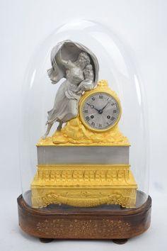 Wunderschöne feuervergoldete und versilberte Bronze Pendule Kaminuhr um 1824