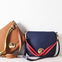This saddlebag tops our most wanted list. In supple leather, it's easy to outfit and comes in a choice of versatile shades. Use the two detachable straps to wear it over you shoulder, across body or on your arm. We've finished it off with a tassel and medal lining.