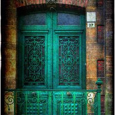 Door reminds me of aunt Jen!   Thanks @Kellie-Ann Correia-Weber!!