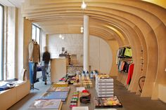 Welcome in the tube. Cuisse de Grenouille concept store