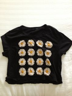 brandy melville sunflowers black crop top for summer time!! cheers