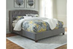 Kasidon King Upholstered Bed in Gray Velvet by Signature Design by Ashley at Gallery Furniture Grey Upholstered Bed, Tufted Bed, Grey Bedding, Luxury Bedding, Queen Bedding, Bedding Sets, California King Bedding, Panel Headboard, King Headboard