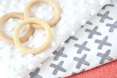 DIY: Bijtring - My Simply Special Shibori, Baby Sewing, Diys, Letters, Diy Baby, Shop, Diy Clutch, Molde, Dressmaking