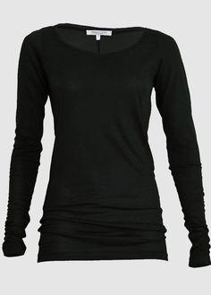 Infos zu diesem  Alma &amp  Lovis -Shirt: Fair:  Fair gehandeltes Shirt Organic:  100% Bio-Baumwolle Attitude:  Wir machen uns die Welt, wie sie uns gefällt! Schnitt: Schmale Passform, Extra lang - auch die Ärmel Farbe:...