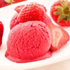 Erdbeermousse-Eis - Desserts & Cremes - Kochgourmet