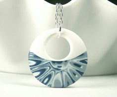 Polymer round pendant