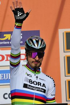 Peter Sagan start Milan San Remo 2017 Bettini Photo
