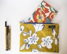 Guarda questo articolo nel mio negozio Etsy https://www.etsy.com/it/listing/450566272/zipper-pouch-ocra-a-fiori
