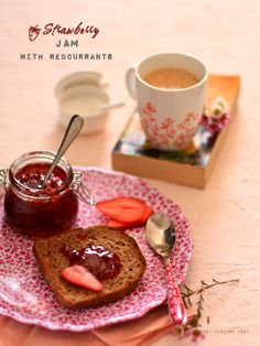 Plateful: Strawberry Jam with Redcurrant