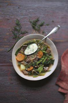 Soupe au chou façon pot-au-feu Pots, Marie Claire, Sprouts, Kitchens, Cookware, Jars, Flower Planters