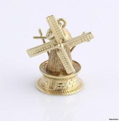 Excellent Detailed Vintage Windmill Moves Charm Pendant - 14k Yellow Gold..