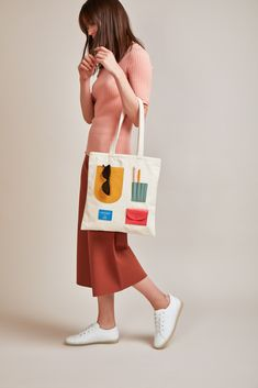 Branded Tote Bags, Types Of Bag, Fabric Bags, Cloth Bags, Canvas Tote Bags, Hang Bag, Sewing Projects, Acro, Creative Things