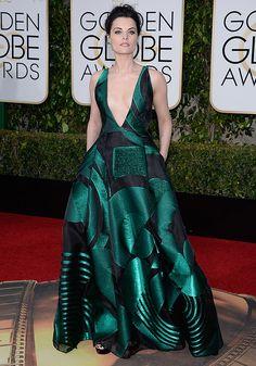 Look da atriz Jaimie Alexander no red carpet do Golden Globe Awards 2016