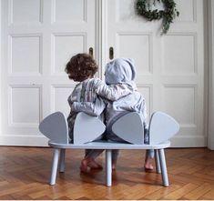 Banco infantil con respaldo en forma de orejas de ratón