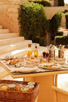 Breakfast in Cap Rocat #luxury #hotel