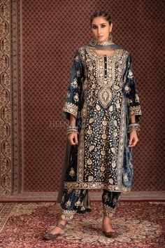 Velvet Pakistani Dress, Pakistani Dresses, Pakistani Fashion Casual, Stylish Suit, Indian Designer Wear, Apparel Design, Indian Wear, Teal, Embroidery Designs