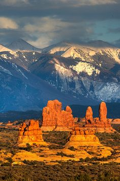 La Sal Mountains Arches National Park Utah - photography by Arthur Mullis Arches Nationalpark, Yellowstone Nationalpark, All Nature, Amazing Nature, State Parks, Places To Travel, Places To See, Places Around The World, Around The Worlds