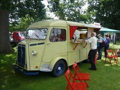 1964 Citroen H van 'Creperies' (triggers retro road tests; flickr) #foodtrucks