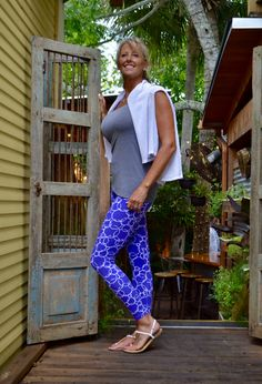Want a fun design for Cotton Leggings?Just for Colors Cotton Leggings, were Colors, Cotton and Comfort is key. 88%Cotton in every Legging. #purple #blue #blowingbubbles #colors #justforcolors #cottonleggings #designerleggings #leggings #yoga #athleisure #everydaywear