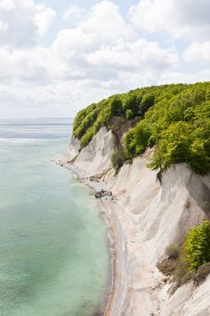 Green cliffs...it Looks like Rügen Island