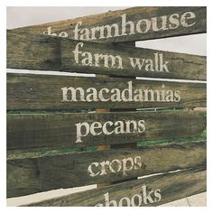 Day 1 in Byron Bay :: a visit to the @thefarmatbyronbay of course... // #welovefarms #wealsolovefood #VIDAinbyron #australia #byronbay #newsouthwales #sign #farm #agriculture #foodproduction #permaculture #design #designstudio #inspo #aussies 📷 Ana @27_frangipani