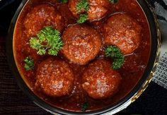 Las albóndigas de lentejas son un plato rico y nutritivo para vegetarianos. También son ideales para cocinar de forma diferente y sana.