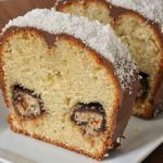 Cinnamon swirl bundt cake Baked in a bundt pan to feed a crowd, this delicious sour cream coffee cake has a cinnamon swirl in the middle. Coffee Cake Recipe Bundt, Sour Cream Coffee Cake, Food Cakes, Cake Recipes, Dessert Recipes, Desserts, Comida Judaica, Eat Cake, Sweet Tooth