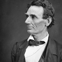 What Lincoln looked like without a beard. It also shows the facial features of the other side and details from the tie. Abraham Lincoln Costume, Period Costumes, Presidents, Facial, Strong, Celebrities, Vintage Outfits, Facial Treatment, Celebs