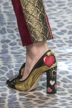 Dolce & Gabbana Fall 2017 Fashion Show Details - The Impression, Fashion News