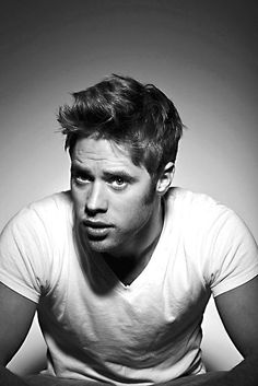 Shaun Sipos - I just finished Life Unexpected on Netflix. Sad day, y'all!