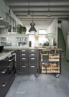 Casinha colorida: Home Tour: um show de cozinha