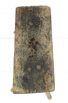 Alter Schemel aus Holz rustikal