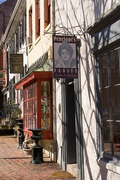 Old Town Alexandria, Virginia. So quiet and slow moving here - not sure that I could ever live there, but it's beautiful. New York girl at heart!