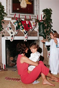 Christmas morning with Jackie Kennedy (December 25, 1962)