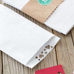 10 St. Weiße Flachbeutel - Papiertüten mit Herzchen