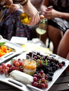 Appetizer Platter with fruit, goat cheese, and chutney
