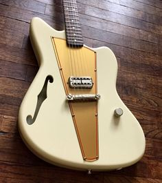 Lincoln Guitar Co | 6-string electric with single Filtertron pickup