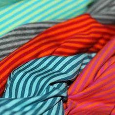 Wunderschöne Jersey Streifen zum Nähen. Baumwolle Jersey Kinderstoffe als Meterware.