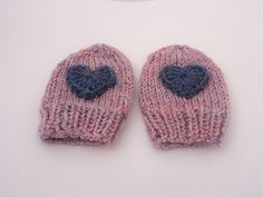 Ravelry: Simple seamless baby mittens pattern by Nikki Fyrth