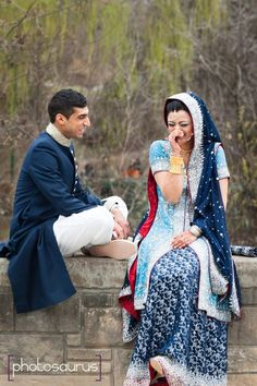 dulhan indian pakistani bollywood bride desi wedding dulha groom p- love their color combo Pakistani Wedding Outfits, Pakistani Bridal, Indian Bridal, Bridal Lehenga, Indian Dresses, Indian Outfits, Indian Attire, New Bridal Dresses, Beautiful Indian Brides