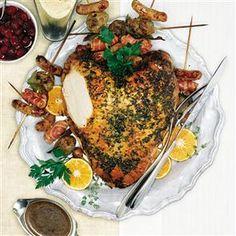Roast turkey crown with lemon, parsley and thyme Recipe delicious. Christmas Roast Turkey, Christmas Dinner Menu, Christmas Cooking, Christmas Lunch, Christmas Tables, Christmas Foods, Christmas Things, Christmas 2015, Thyme Recipes