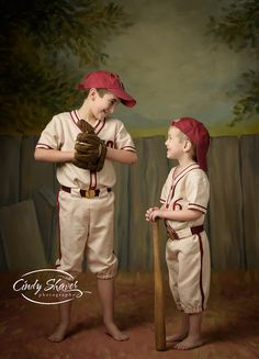 vintage baseball, Huntsville kid photographers, childrens photographers, Alabama photographers, brothers