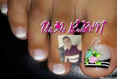 La imagen puede contener: 1 persona, primer plano y texto Cute Pedicure Designs, Cute Pedicures, Nail Art, Nails, Instagram Posts, Diana, Tiffany, Roses, Image