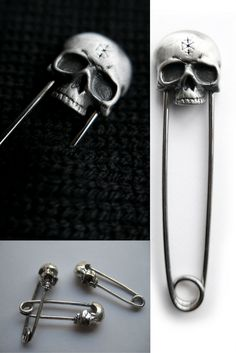Skull Safety Pins
