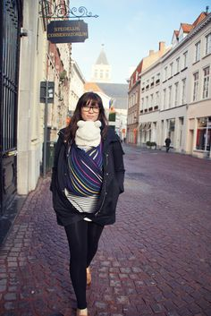 #babywearing in #Bruges with the Didymos lisa woven wrap