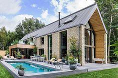 Desain Rumah Ala Kate Moss: Retro Glamour | 13/01/2016 | SolusiProperti.com-Kate Moss, seorang model kenamaan dunia baru saja menyelesaikan usaha pertamanya di dunia desain interior. Menggandeng pengembang properti, Yoo, supermodel Inggris ini mulai dengan mendandani ... http://propertidata.com/berita/desain-rumah-ala-kate-moss-retro-glamour/ #properti #rumah #desain