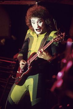 Zal Cleminson - SAHB at the Macon Coliseum [17 Aug 1975] Alex Harvey, Scottish Bands, Glam And Glitter, Bbc Broadcast, Any Music, Famous Stars, Guitar Art, Rock Legends, Stock Pictures