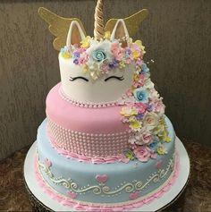 24 ideas of best birthday cake Unicorn for girls read-it-later Beautiful Cakes, Amazing Cakes, Unicorn Foods, Unicorn Cakes, Cakes Today, Unicorn Birthday Parties, Happy Birthday, Savoury Cake, Cute Cakes